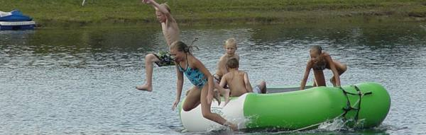 Kids and the Raft - Jumping